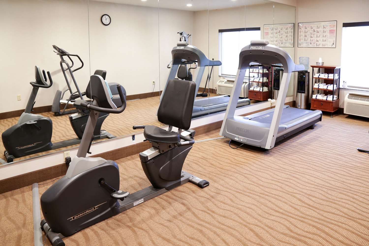 Fitness/ Exercise Room - Comfort Inn & Suites Grinnell