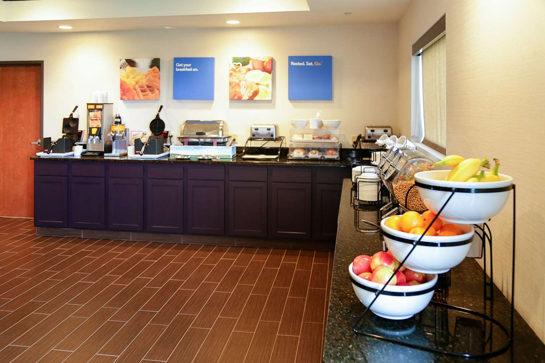 Restaurant - Comfort Inn & Suites Grinnell