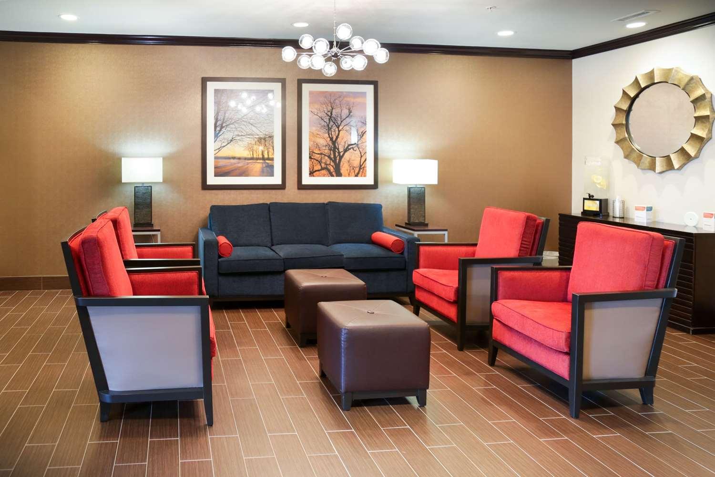 Lobby - Comfort Inn & Suites Grinnell