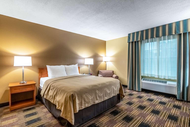 Room - Quality Inn Newton