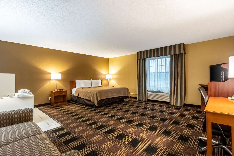 Suite - Quality Inn Newton