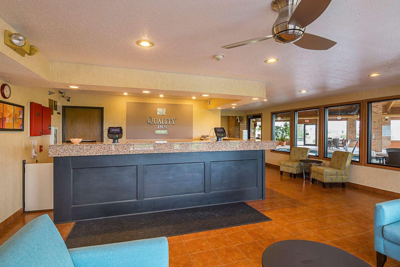 Lobby - Quality Inn Waverly