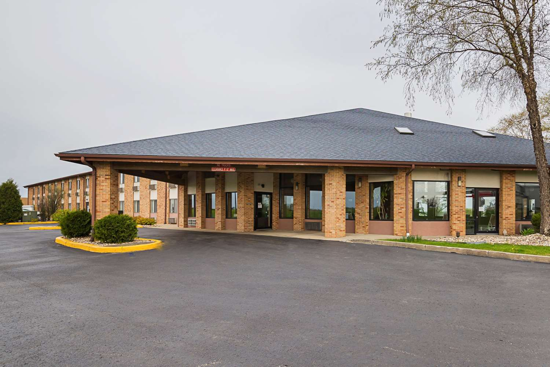 Exterior view - Quality Inn Waverly