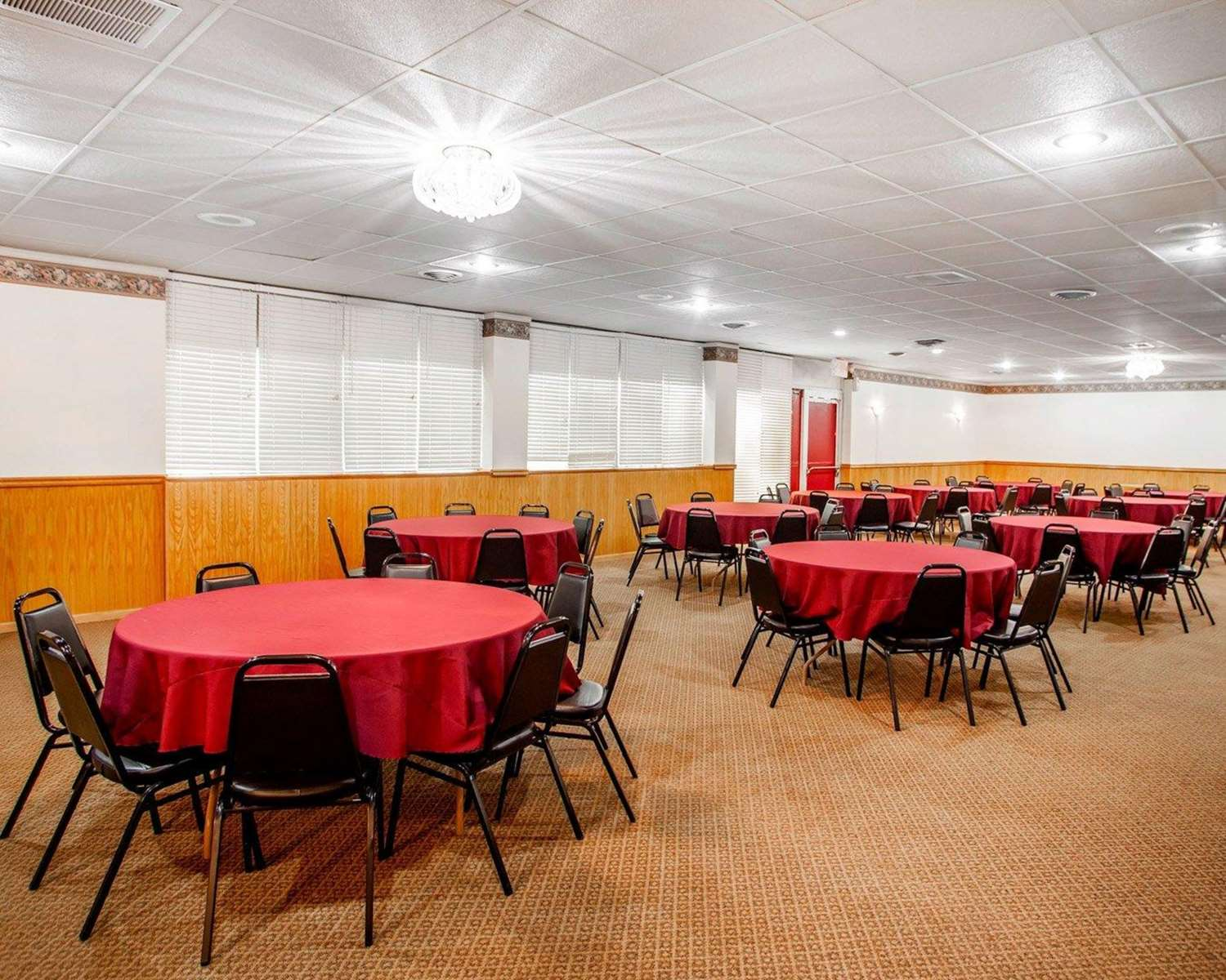 Meeting Facilities - Econo Lodge Inn & Suites Newton