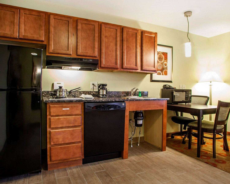 Room - Suburban Extended Stay Hotel Cedar Falls