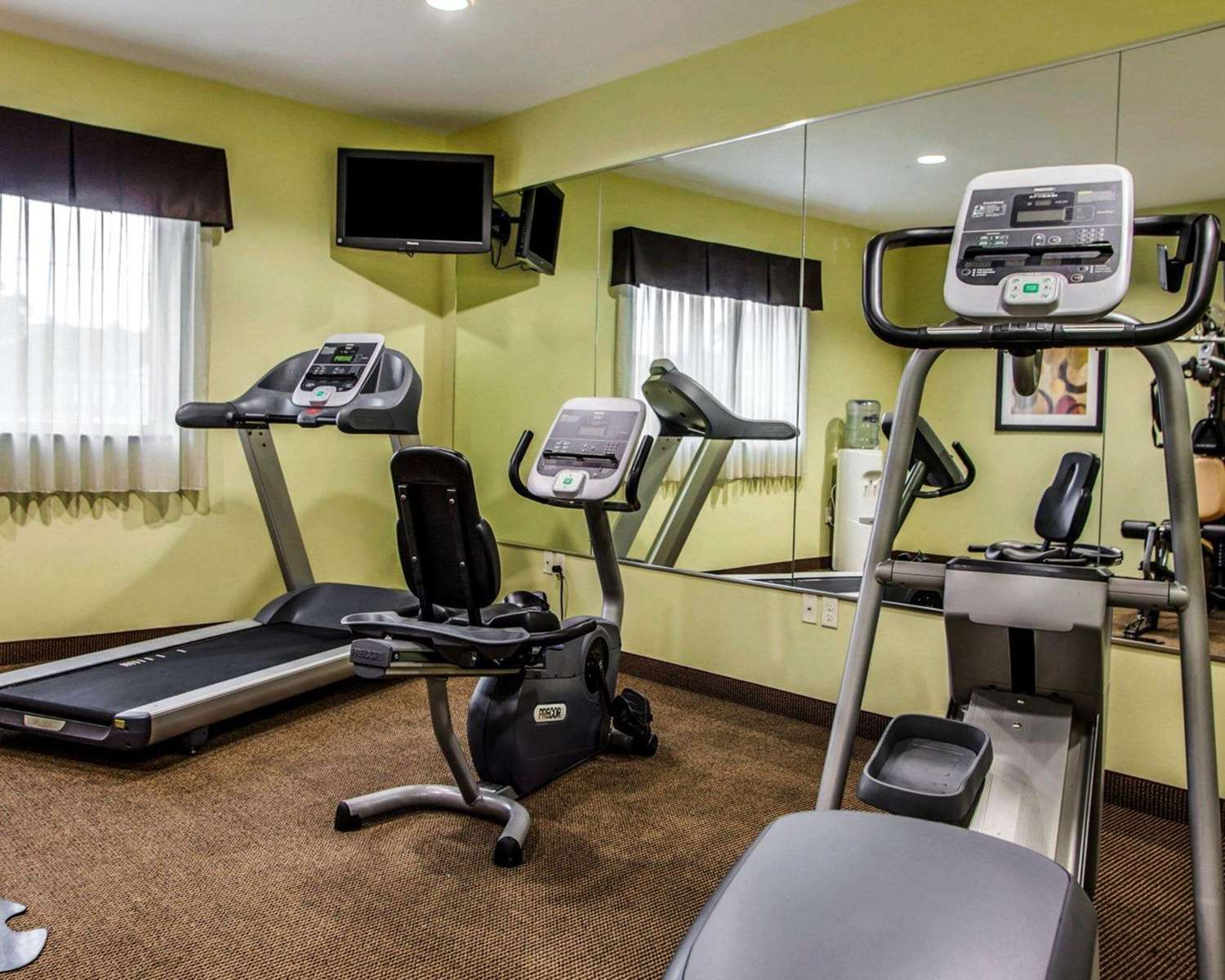 Fitness/ Exercise Room - Suburban Extended Stay Hotel Cedar Falls