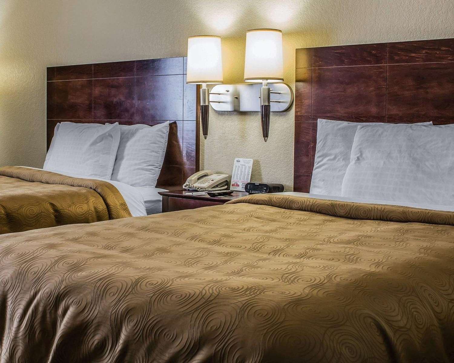 Room - Mainstay Suites Coralville