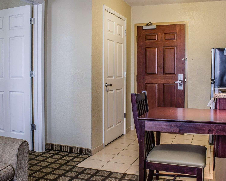 Suite - Mainstay Suites Coralville