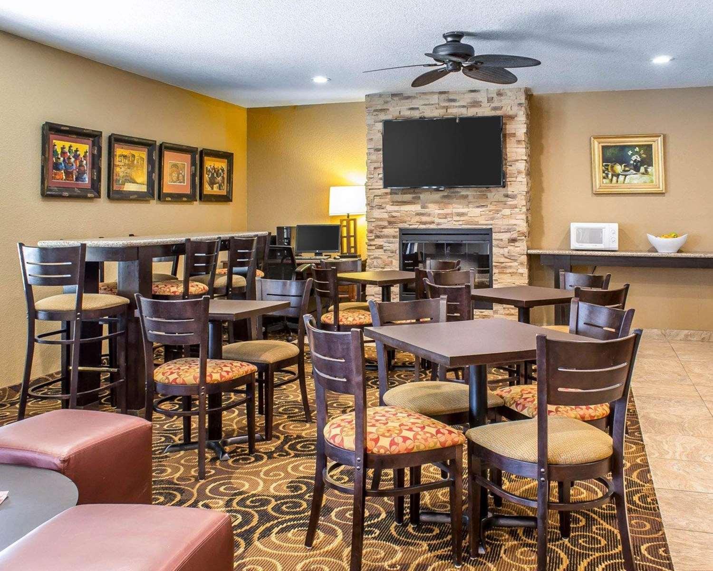 Restaurant - Rodeway Inn Milford