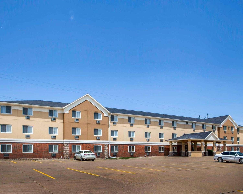 Exterior view - Quality Inn & Suites Davenport