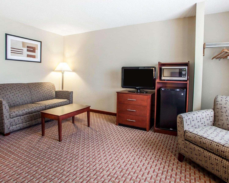 Suite - Quality Inn & Suites Davenport
