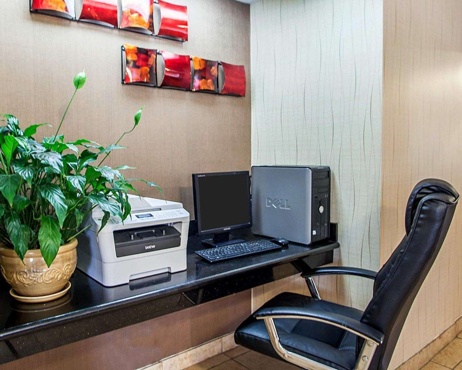 Conference Area - Quality Inn & Suites Davenport