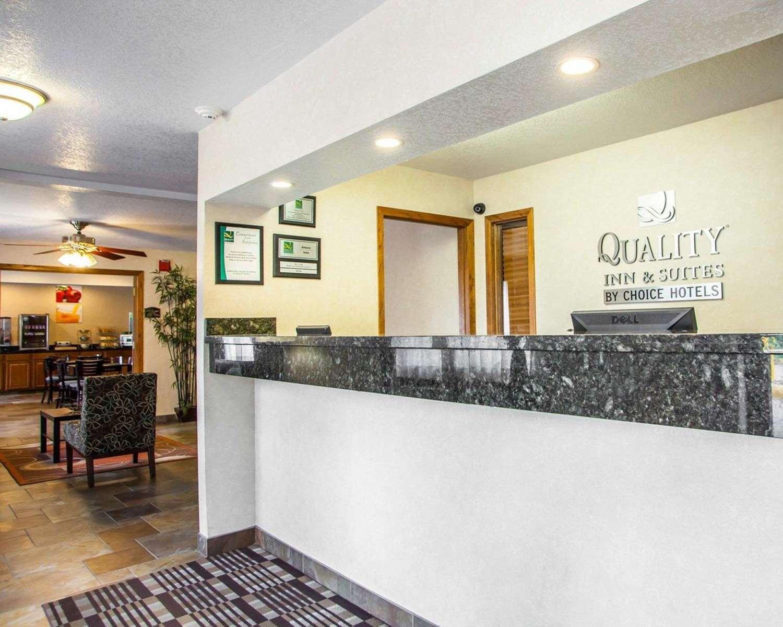 Lobby - Quality Inn & Suites Ankeny