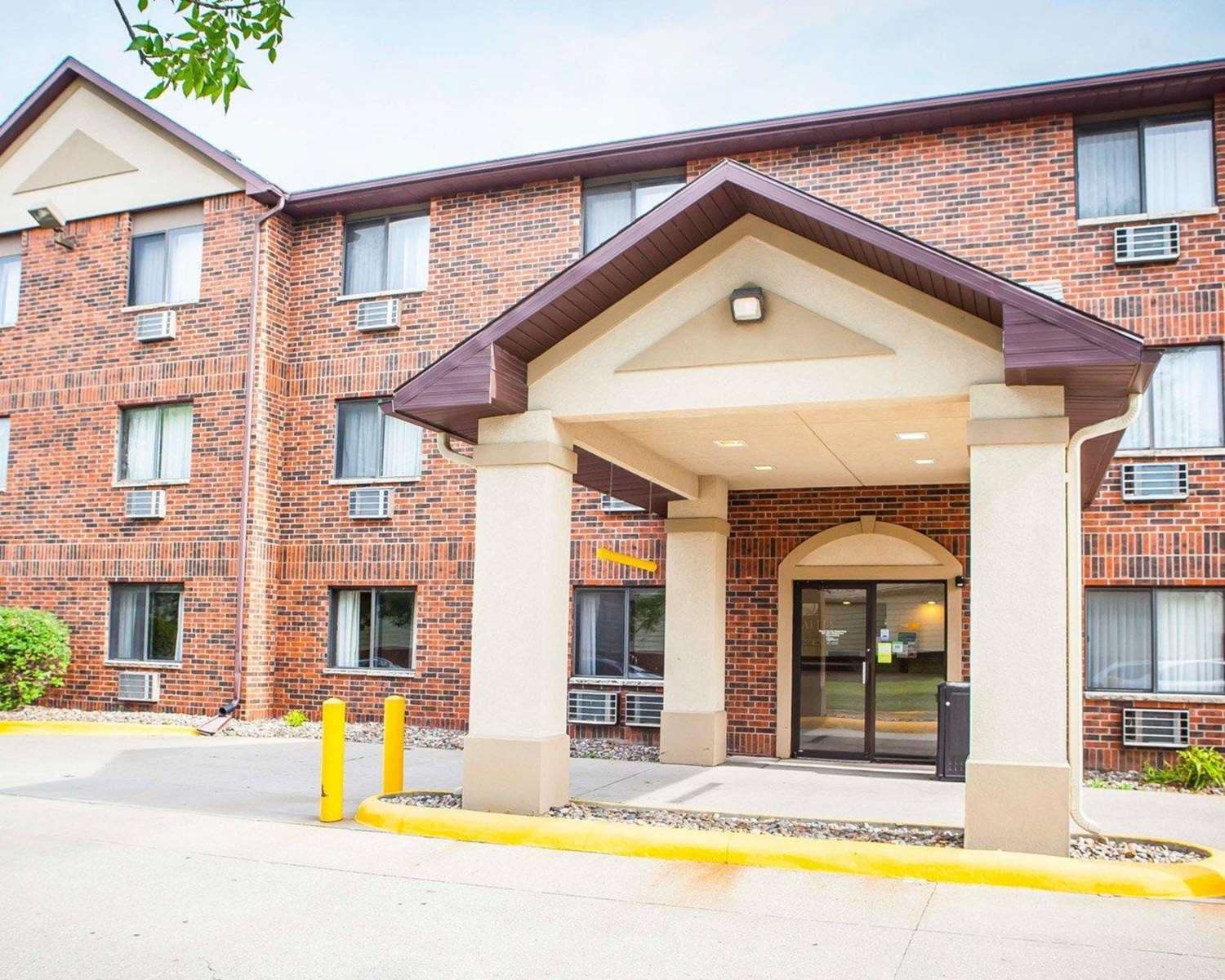 Exterior view - Quality Inn & Suites Ankeny