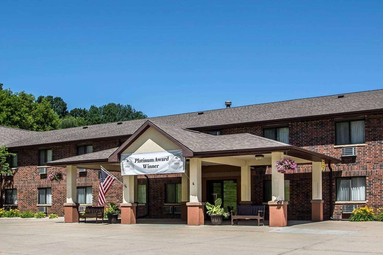 Exterior view - Quality Inn & Suites Decorah