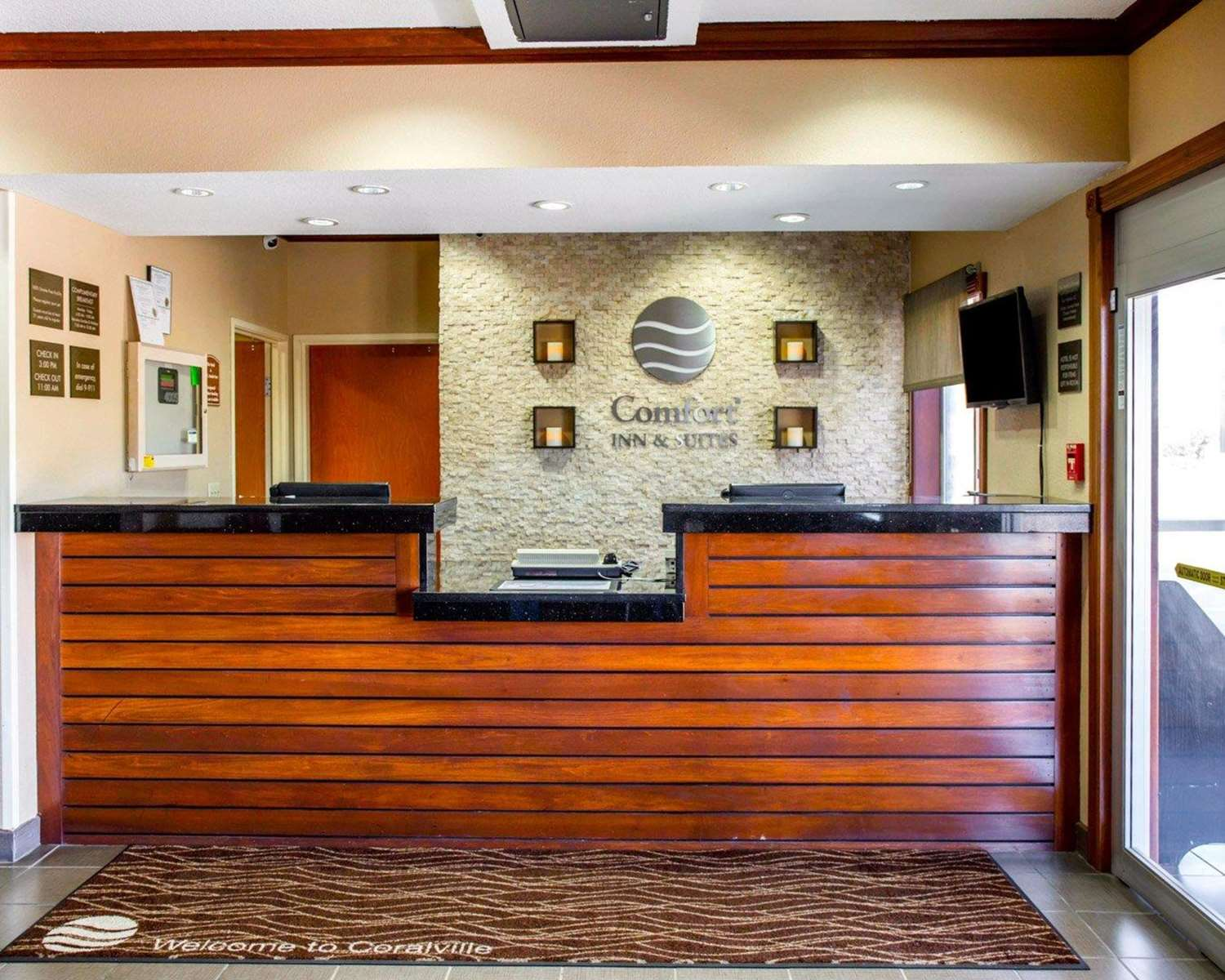Lobby - Comfort Inn & Suites Coralville