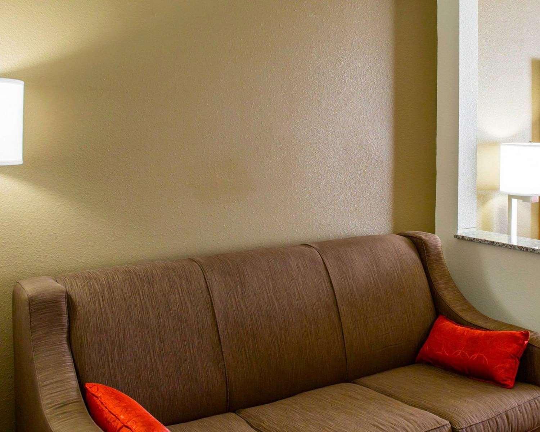 Suite - Comfort Inn & Suites Coralville