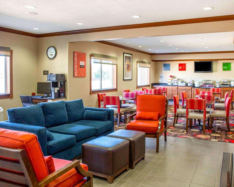 Restaurant - Comfort Inn & Suites Coralville