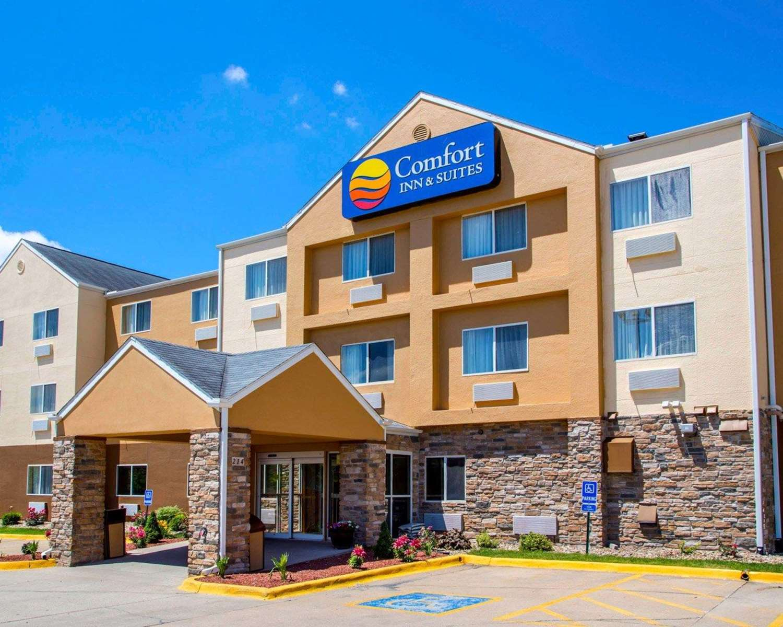 Exterior view - Comfort Inn & Suites Coralville