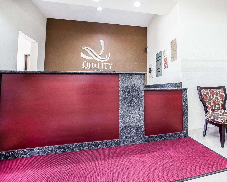 Lobby - Quality Inn & Suites Altoona