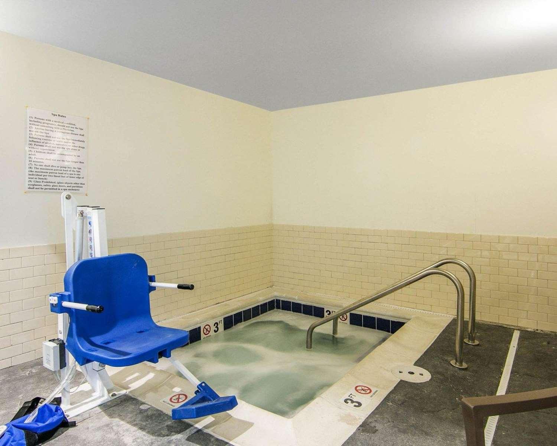 Pool - Sleep Inn & Suites Fort Dodge