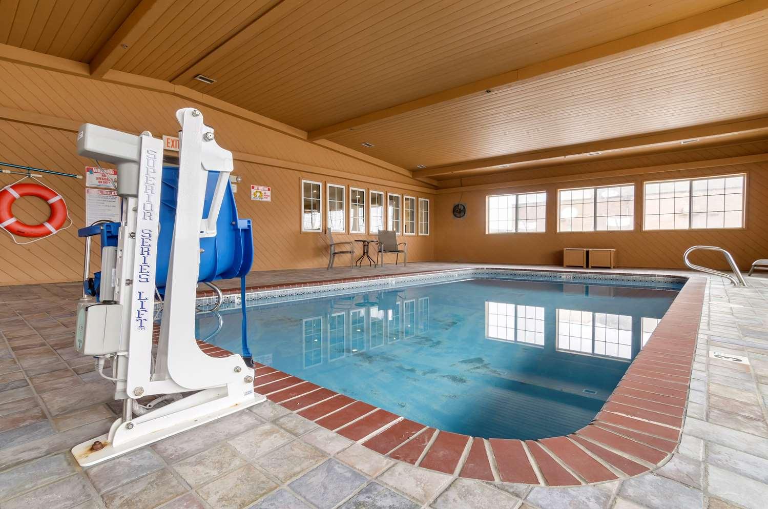 Pool - Quality Inn Osceola