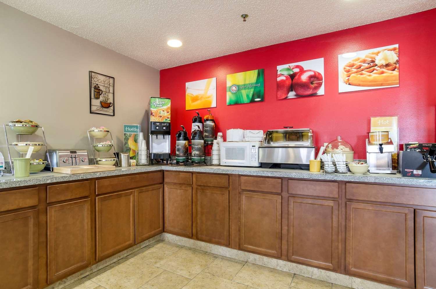 Restaurant - Quality Inn Osceola