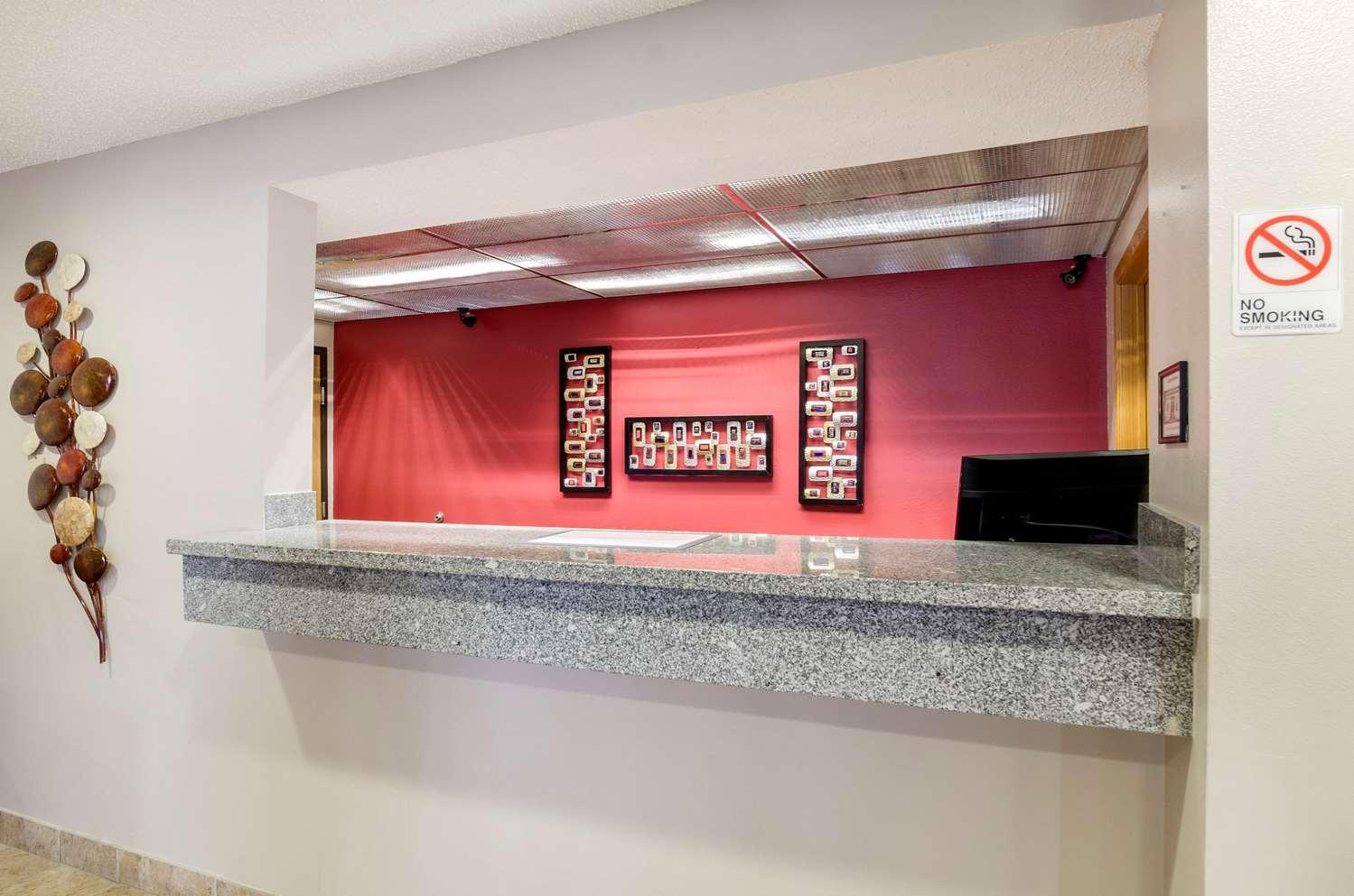 Lobby - Quality Inn Osceola