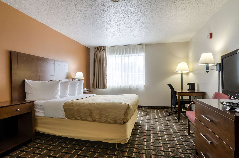 Room - Quality Inn Osceola