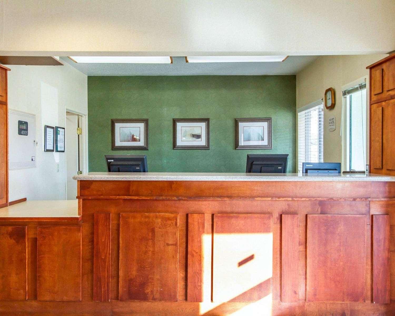 Lobby - Quality Inn & Suites Keokuk