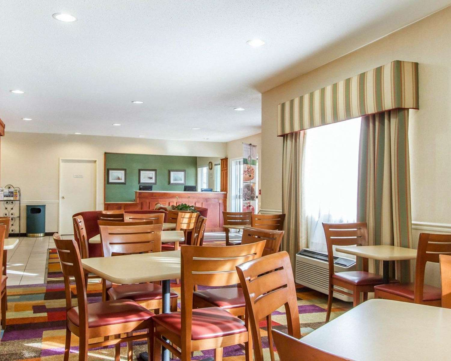 Restaurant - Quality Inn & Suites Keokuk