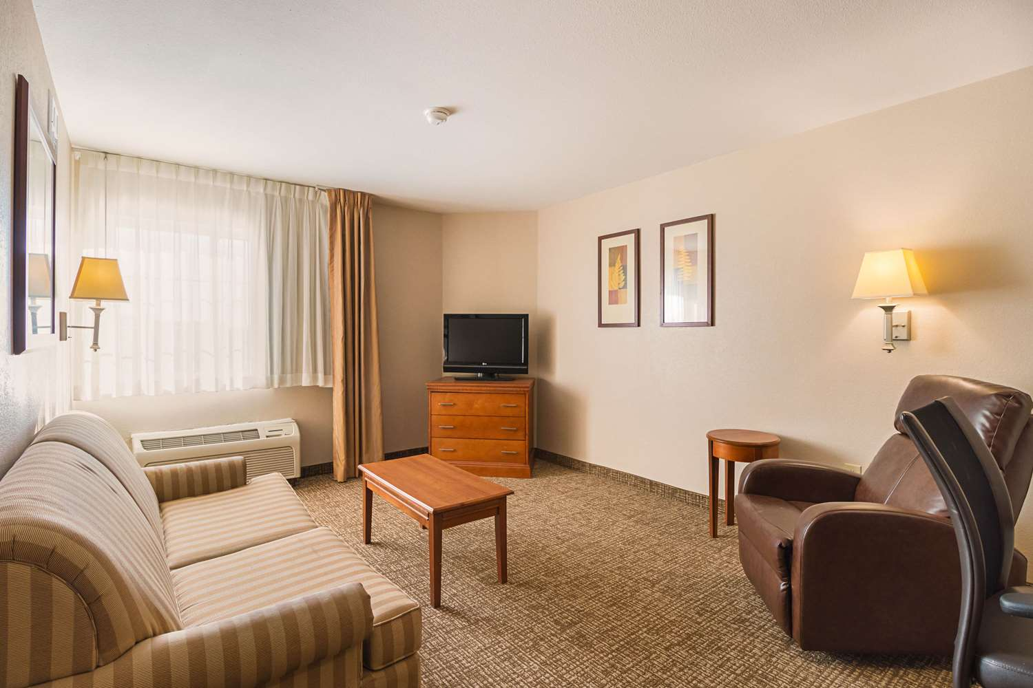 Room - Quality Inn & Suites Waterloo