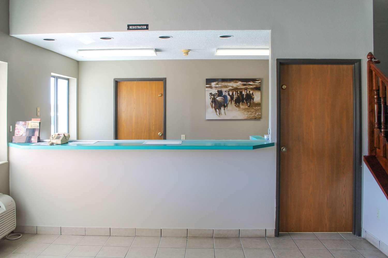 Lobby - Rodeway Inn Red Oak
