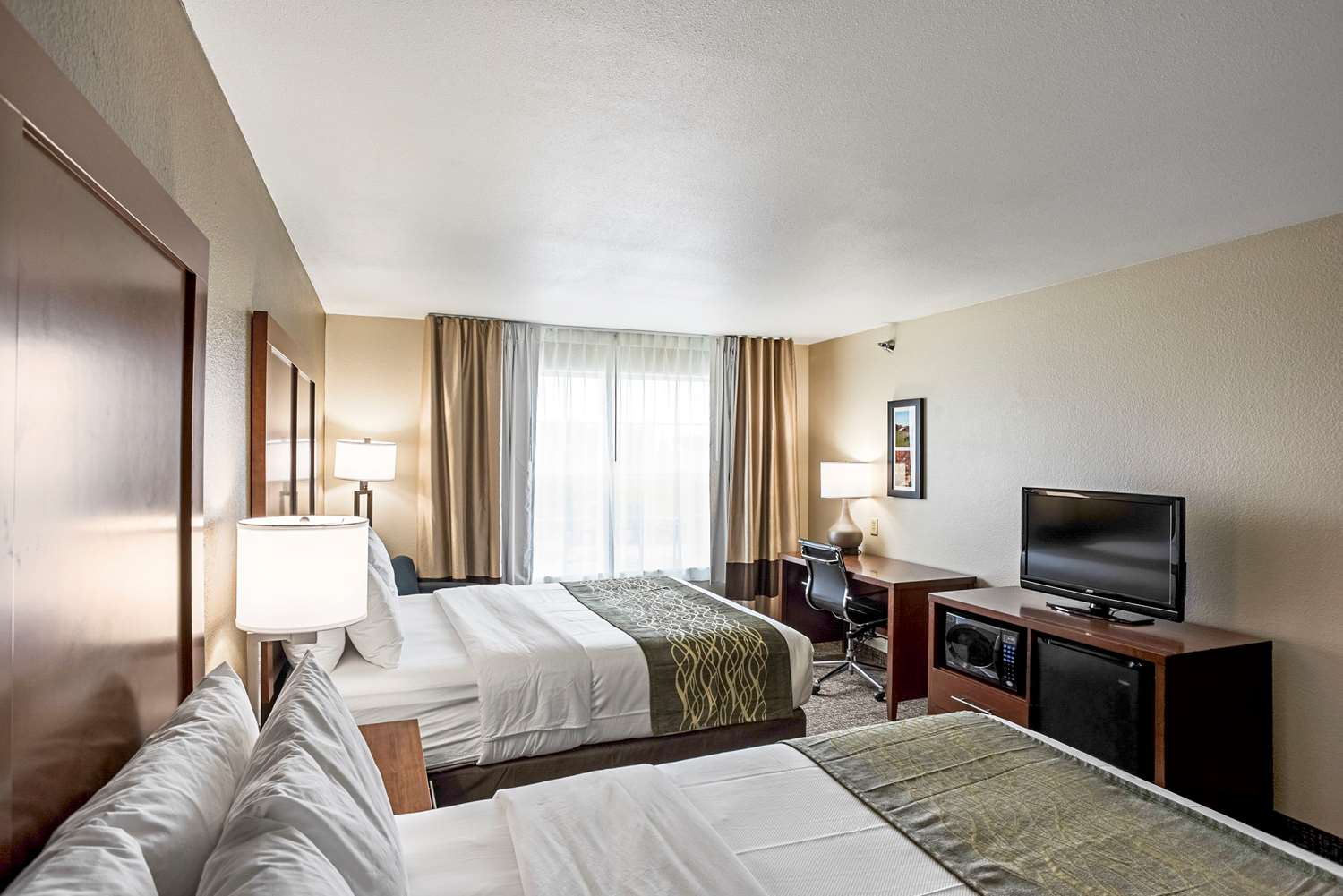 Room - Comfort Inn & Suites Independence