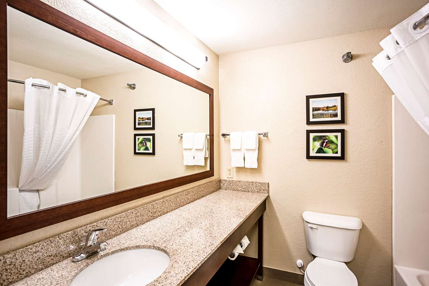 Suite - Comfort Inn & Suites Independence