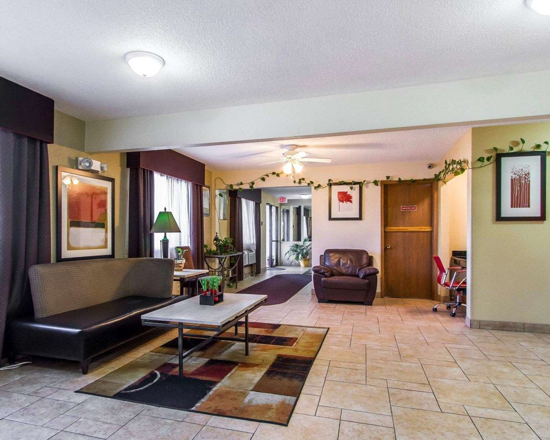 Lobby - Quality Inn & Suites Ottumwa