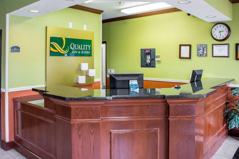 Lobby - Quality Inn & Suites Sioux City