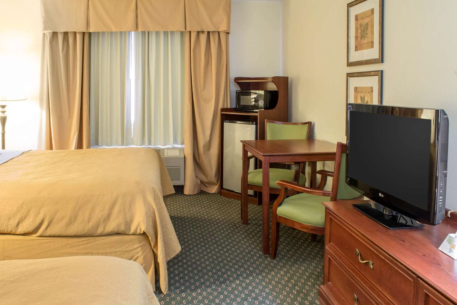 Room - Quality Inn & Suites Sioux City