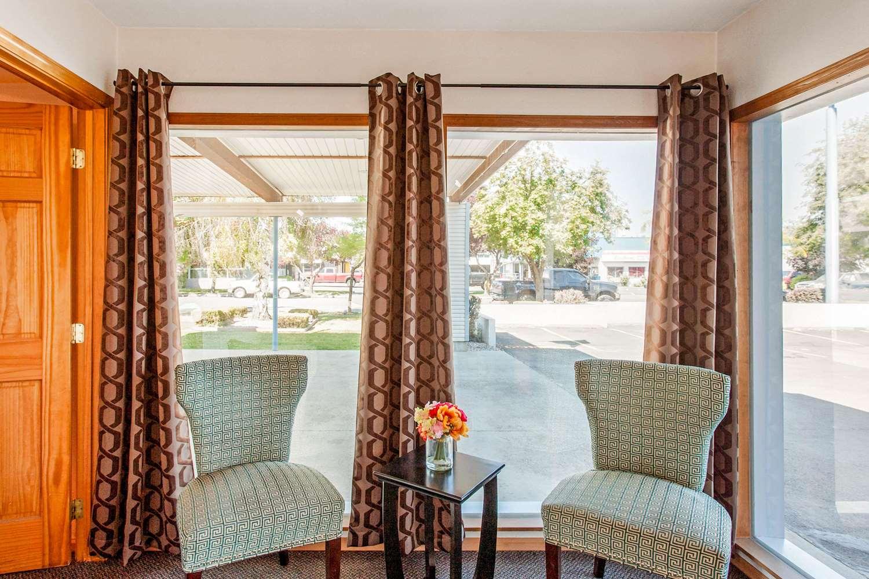 Lobby - Rodeway Inn Coeur d'Alene