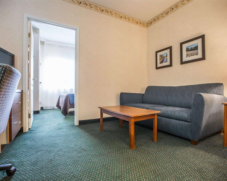 Suite - Quality Inn & Suites Dixon