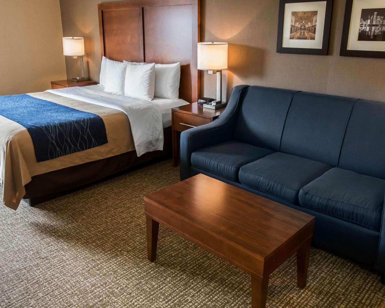 Suite - Comfort Inn Crystal Lake