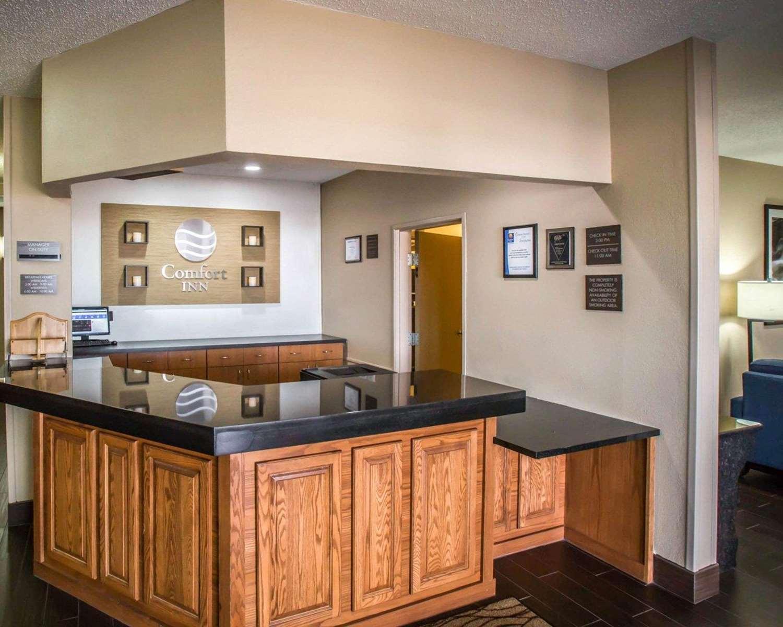 Lobby - Comfort Inn Morris