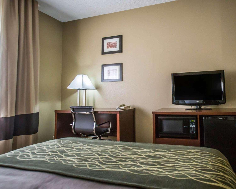 Room - Comfort Inn Morris