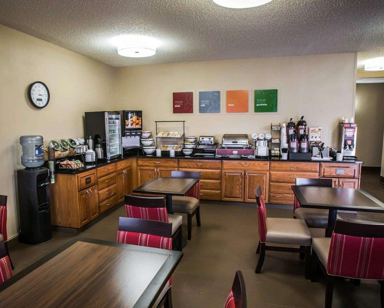 Restaurant - Comfort Inn Morris