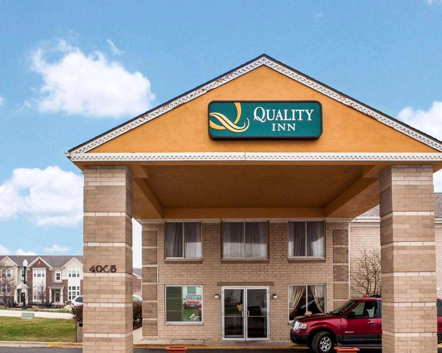 Exterior view - Quality Inn Aurora