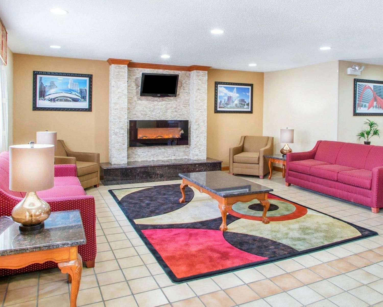 Lobby - Quality Inn Ottawa