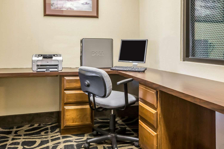 Conference Area - Quality Inn & Suites Mendota