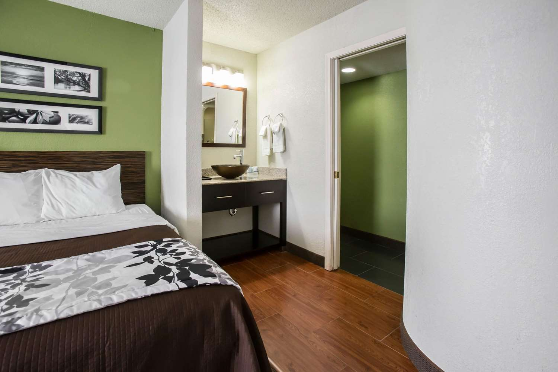 Room - Sleep Inn Rockford