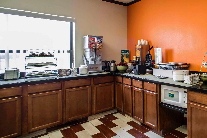Restaurant - Quality Inn Harrisburg