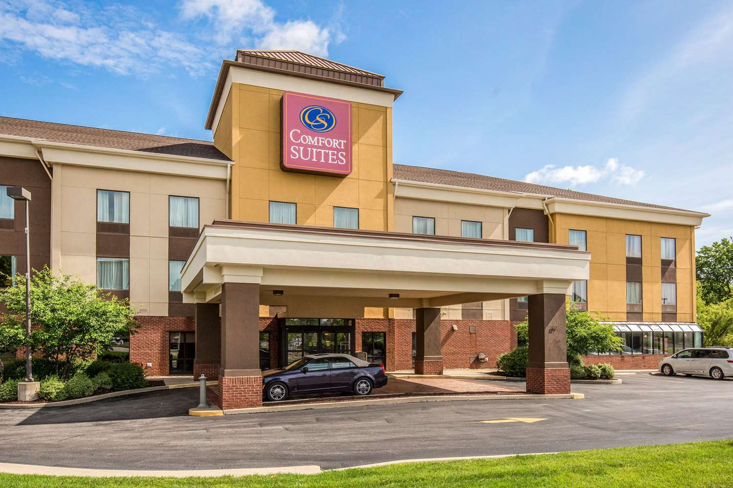 Exterior view - Comfort Suites Fairview Heights